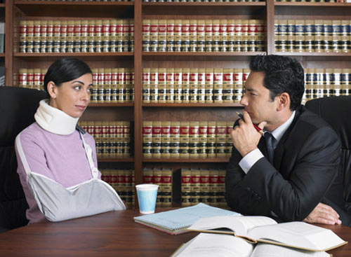 Lawyer-and-Accident-Victim